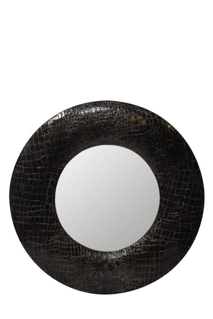зеркало в черной раме