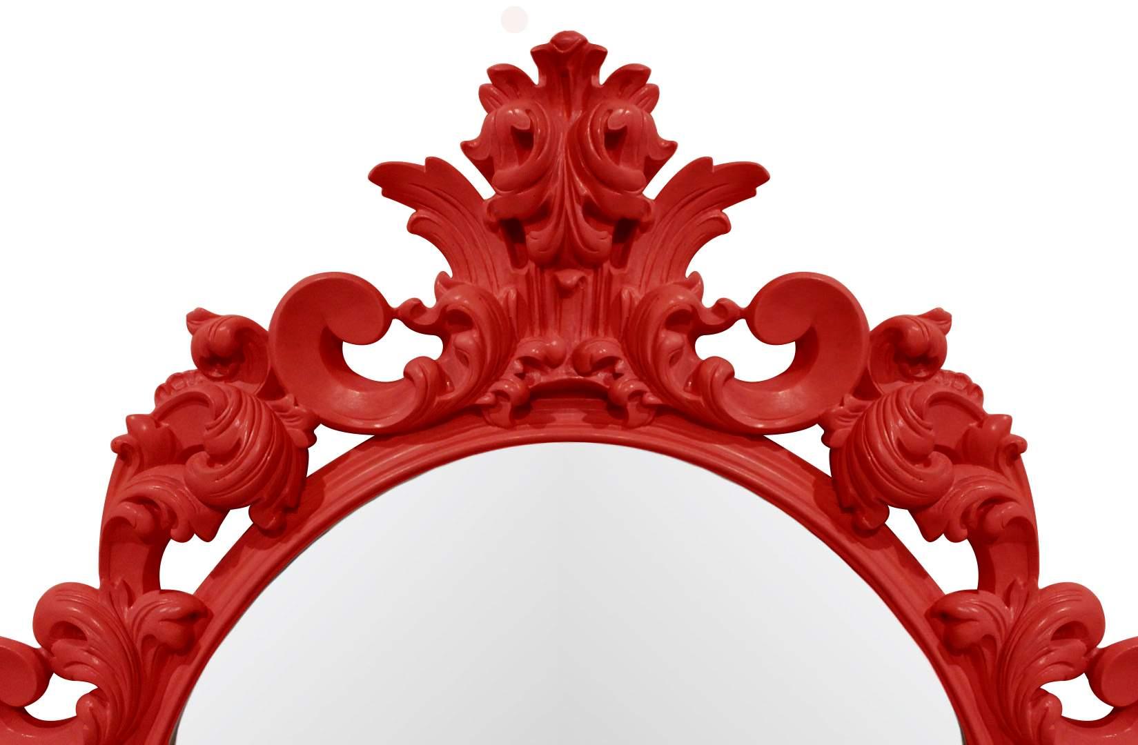 зеркало в красной раме