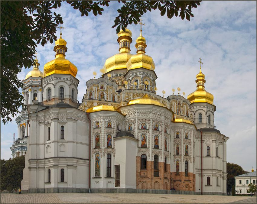 Архитектурная и археологическая уникальность Успенского собора